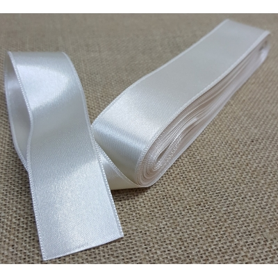 Satin Ribbon No:9, 3cm Cream
