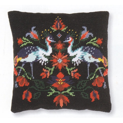 VERVACO TAPESTRY CUSHION PN-0168275